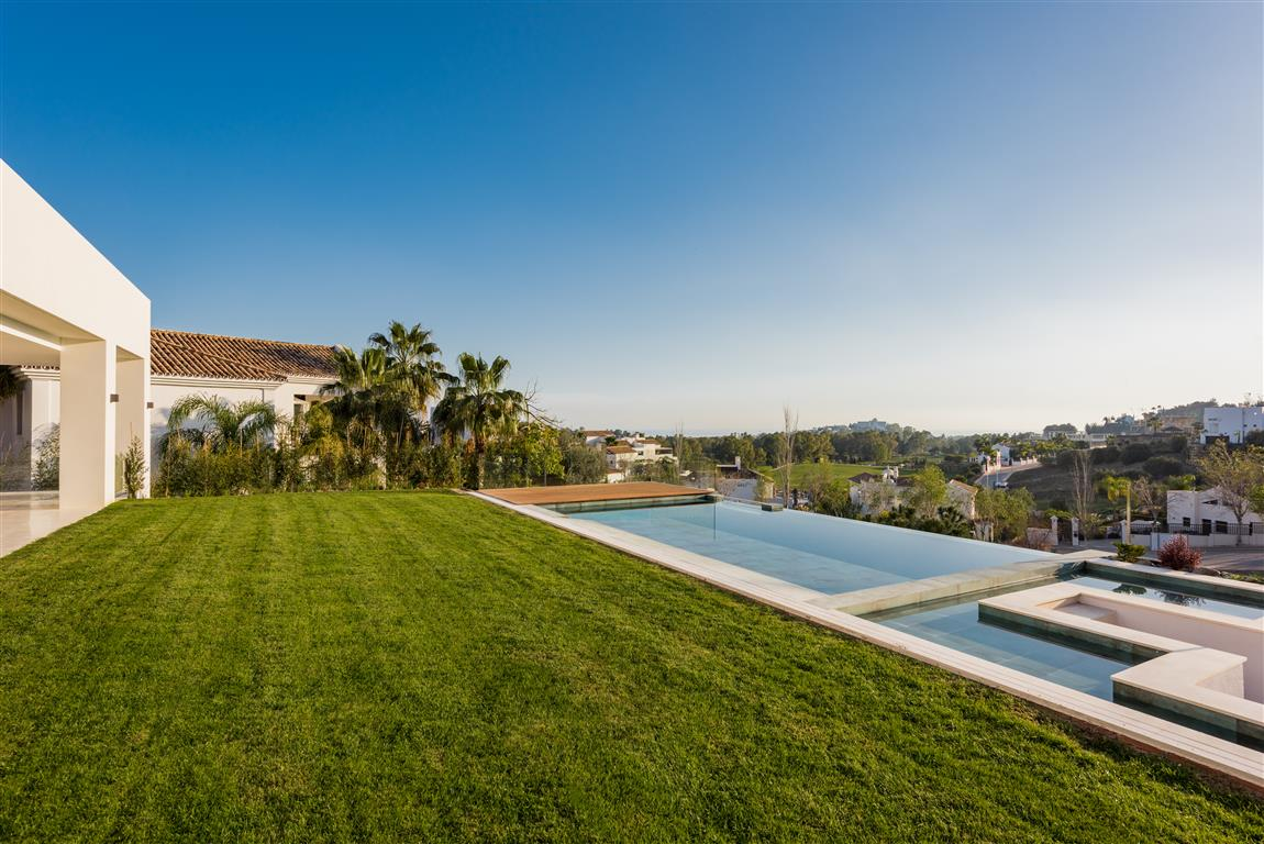 Villa for sale in Benahavís